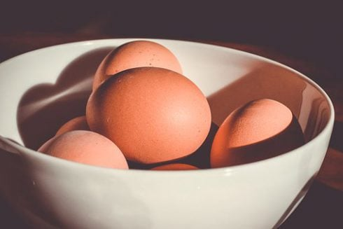 Testosterone boosting foods for men, eggs in a bowl