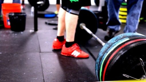 Can deadlifts increase testosterone, barbell loaded with weights