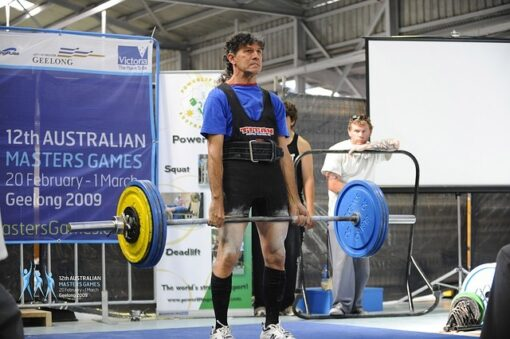 Can deadlifts increase testosterone, older man doing deadlifts